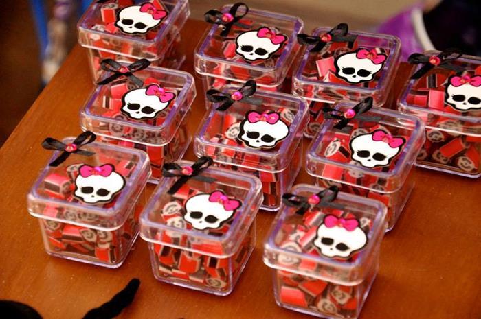Caixa de balinhas da Monster High