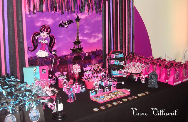 Decoração festa da Monster high